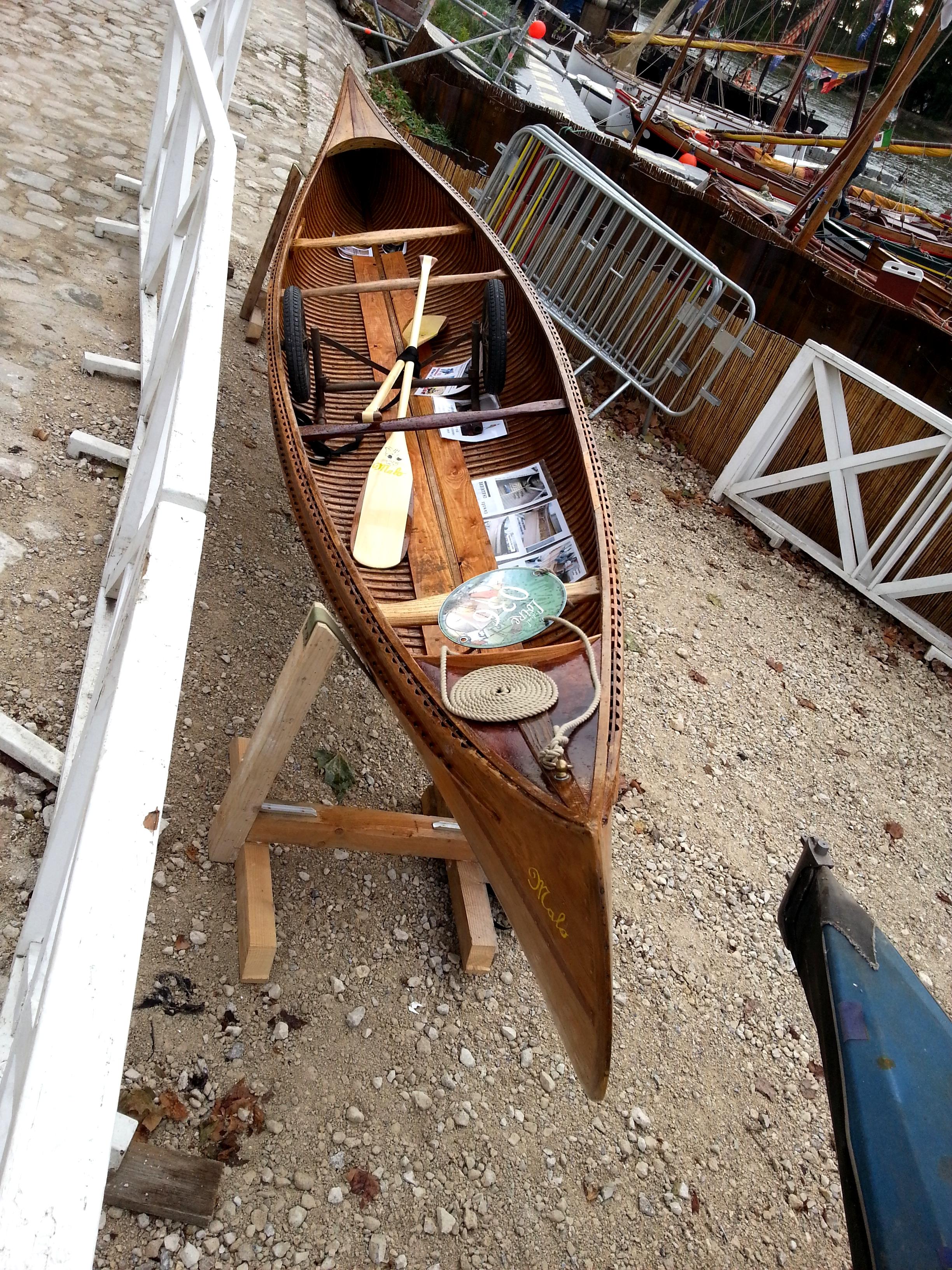 Ici, Malo un canoë modèle CORAL des années 20-30