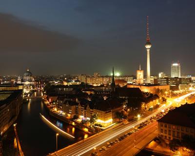 Traveler of lost city: Berlin