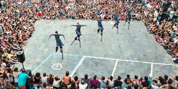Meisterhafte Balance: Compania Maduixa