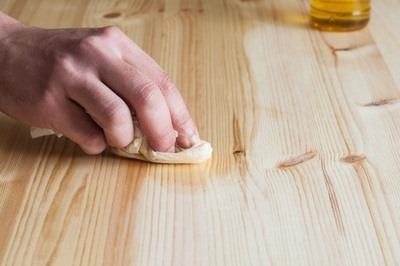 Photo article cirer un meuble