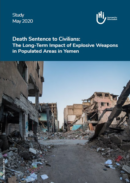 "Cover der Studie ""Death Sentence to Civilians: The Long-Term Impact of Explosive Weapons in Populated Areas in Yemen""  (Mai 2020). Das Titelbild zeigt von Bomben zerstörte Häuser."